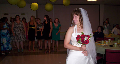 Bouquet-Toss-2.jpg